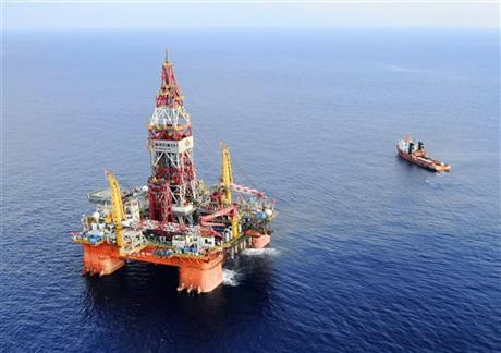 Vietnam warns China over oil rig activities