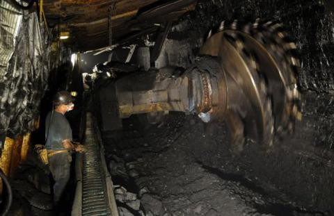 State-run coalmines with wage arrears to be able to receive budget aid after agreeing programs