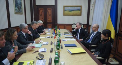 Yatsenyuk meets with foreign policy advisers of Germany and France