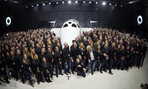 Virgin Galactic unveils new spaceship 16 months after fatal crash (PHOTO)
