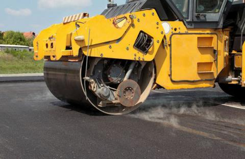Ukrainian government gave UAH 4.4 bln from IFIs for road repair