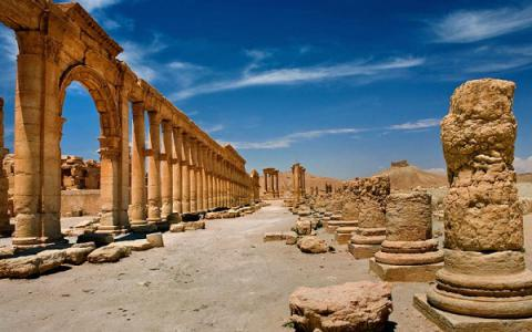 Syria troops recapture of ancient city of Palmyra blow to IS