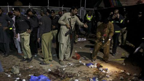 Taliban suicide bomber killed 65, wounded 300 in Pakistan (PHOTO)