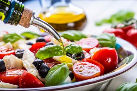 Fewer heart attacks, strokes and deaths seen among Mediterranean-style eating followers