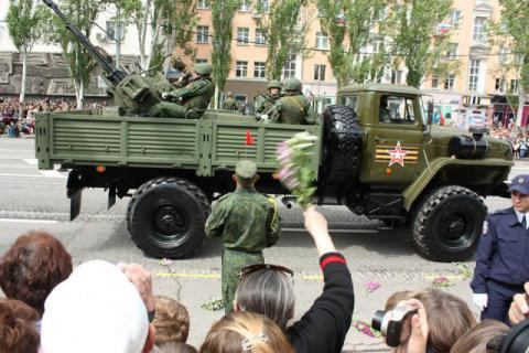 May 9 military parades in Donetsk and Luhansk violated Minsk agreements - OSCE SMM
