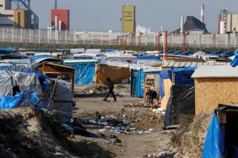 Migrant numbers growing again at Calais camp