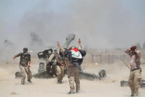 Iraqi army pause at southern edge of Falluja as IS fights back