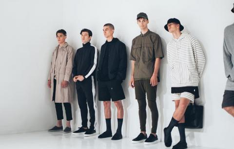 'Never wear socks with sandals' rule repealed at recent NY Fashion Week's men's shows (PHOTO)