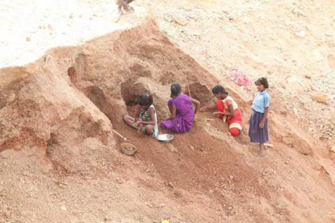 Child workers death in mica mines in India are covered up for the sake of industry