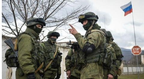 More Russian armed militaries at the Crimean border