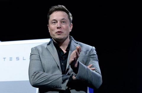 Elon Musk wants to sell entirely new tipe of roof: 'solar roof'