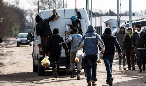 Calais regional president wants migrants should be allowed to claim UK asylum in France