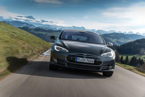 Tesla sued by car owners in Norway for the lack of velocity
