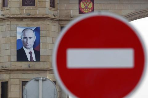 Ukraine applies one-year sanctions against several Russians