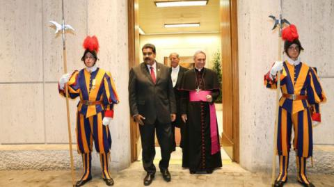 Venezuela is to hold talks with opposition, Vatican to act as mediator