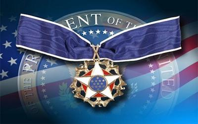 Obama awarded American superstars with national medal