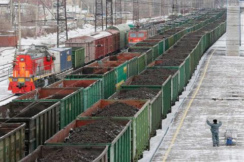 Regulations for transporting goods through Donbas contact line come in force - Ukrainian govt