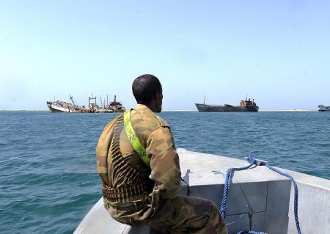 Pirates hijack oil tanker off Somalia's coast