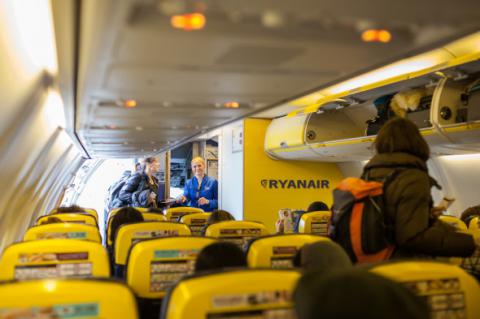 Largest European low-cost airline Ryanair starts in Ukraine in Oct