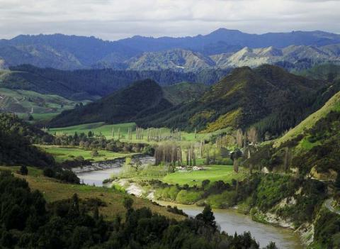 Third-largest in New Zealand river granted by court legal human rights