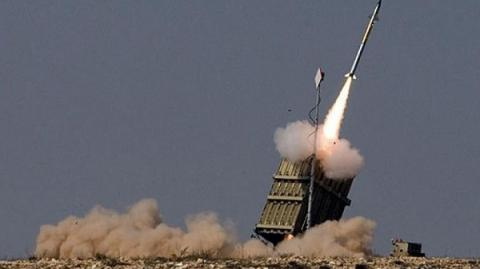 Syria answers on Israeli airstrikes with anti-aircraft missiles launch