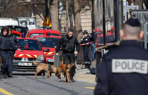 Letter bomb that blew up in Paris' IMF HQ was sent from Greece