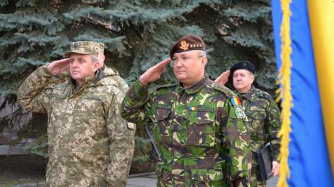 Ukraine's, Romania's military top commanders agree on cooperation 'roadmap'