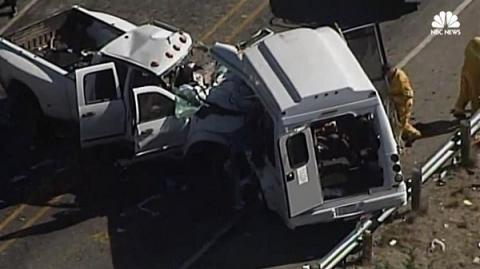 Head-on collision of church bus and pickup truck kills 13 in Texas (VIDEO)