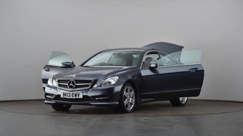 Mercedes enjoys best-ever monthly sales in March