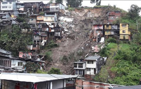 New multiply landslides kill at least 17, injure dozens in Colombia (VIDEO)
