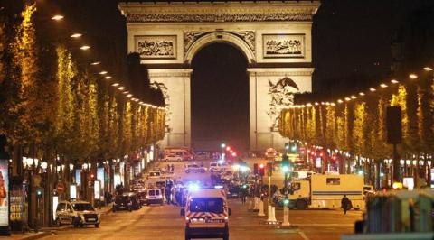 1 French policeman killed, 2 wounded in IS-claimed Paris attack (VIDEO)