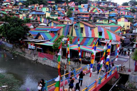 Slum on Java Island become social media hit after its homes were rainbow-painted