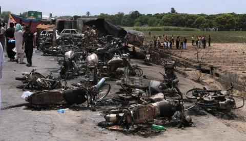 At least 153 killed trying gether fuel from damaged truck in Pakistan