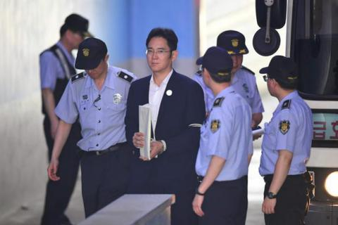 Billionaire Samsung heir may be convicted for 12 years in prison for corruption - South Korean prosecutors