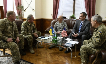 Ukraine intends to engage US experts in increasing security of ammo depots, - Muzhenko