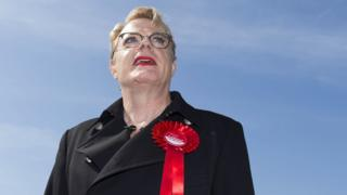Eddie Izzard to stand again for Labour executive