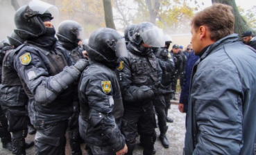Over two dozen police officers injured in protests in Odesa