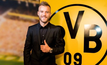 Football: Ukraine's Yarmolenko in Bundesliga's top 10 players