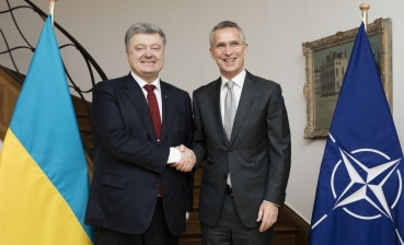 Poroshenko, Stoltenberg discuss deepening cooperation with NATO