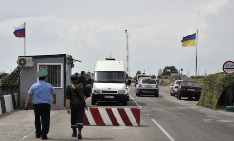 Occupants resume work of checkpoint at administrative border with Crimea