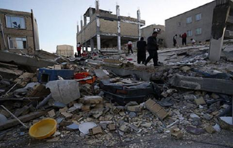 Quake on Iran-Iraq border: Death toll mounts to 328