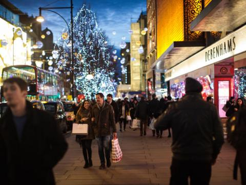 Police alert as fraudsters target festive shoppers