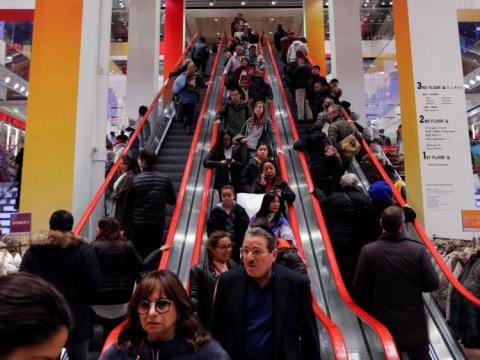 Black Friday: More shoppers going mobile