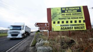 Irish border: New draft Brexit agreement proposed