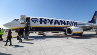 Ryanair moves towards recognising pilot unions