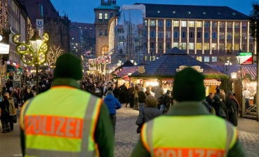In Germany, police evacuated Christmas market because of explosion threat