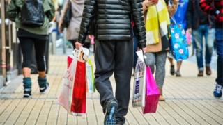 UK retail sales fall in December