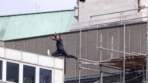 Cruise back shooting 'Impossible' London stunts