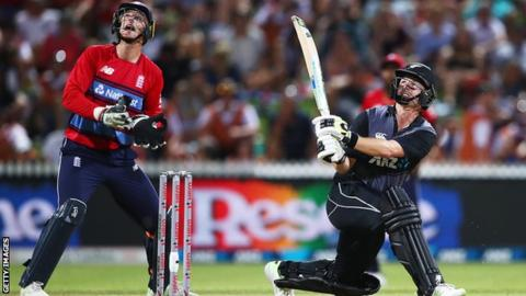 New Zealand v England: Hosts reach T20 tri-series final despite defeat