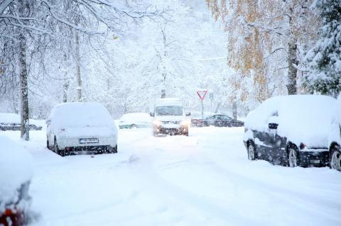 Ukrainians warned of heavy snow, snowstorms and ice
